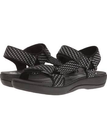 3ec66d81a2a Shop Women s Clarks Sandals up to 70% Off